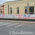 """Castagnole: striscione fuori dalla scuola, """"No alla classe fantasma"""""""