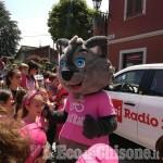 Il Giro sta attraversando Saluzzo: otto in fuga