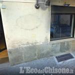 Pinerolo: fiamme dolose al portone del Tattoo shop di via Pellico