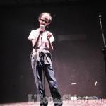 «Perché rido della mia malattia»: il comico Simone Fornara si racconta a L'EM