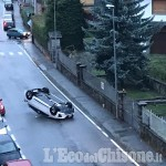Villar Perosa: auto ribaltata nel centro del paese, danneggiati cinque veicoli