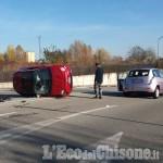 Pinerolo: scontro tra auto, una Cinquecento si ribalta sulla strada