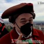 Embedded thumbnail for Il video: gli auguri di Gianduja ai pinerolesi