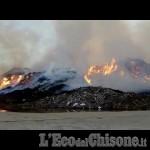 Embedded thumbnail for IL VIDEO - Incendio ex Annovati di Frossasco: la situazione di questa mattina